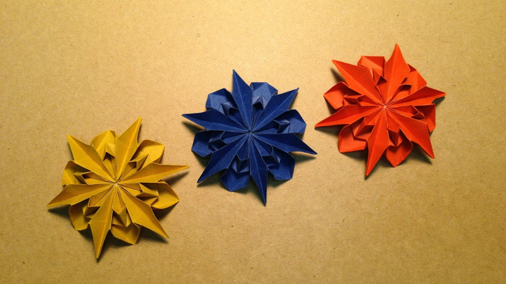Flower instructions dahlia 2 flores de origami pinterest in this video i show how to make an origami flower a dahlia this origami dahlia looks really difficult but it actually quite easy mightylinksfo