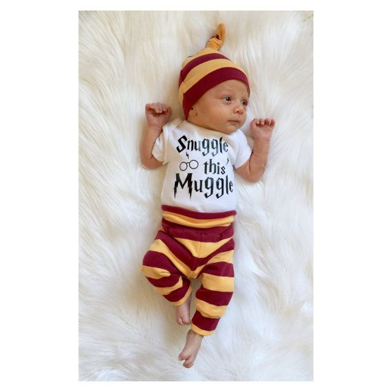 2e256ff66 This listing makes a great going home outfit, and is also adorable for  everyday wear. It is the perfect baby gift for a Harry Potter fan! Leggings  and knot ...