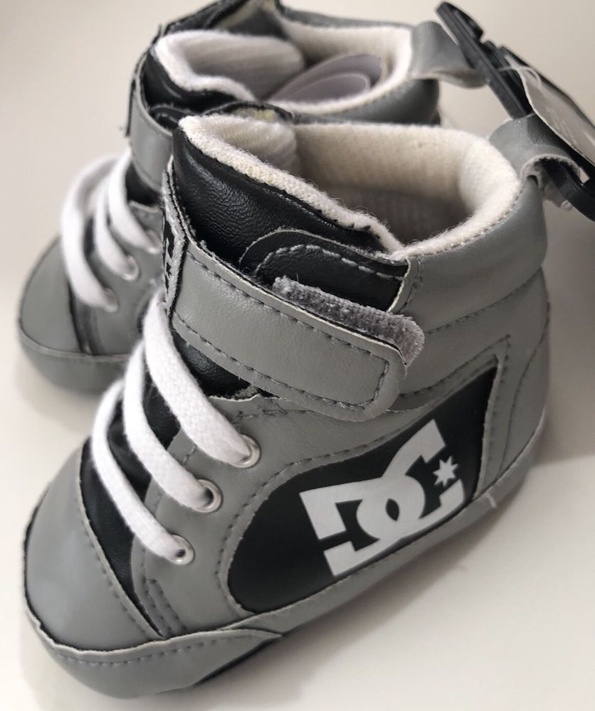 DC Baby Infant Crib Shoes Gray  White Infant Size 6-9 Months  33b13672c