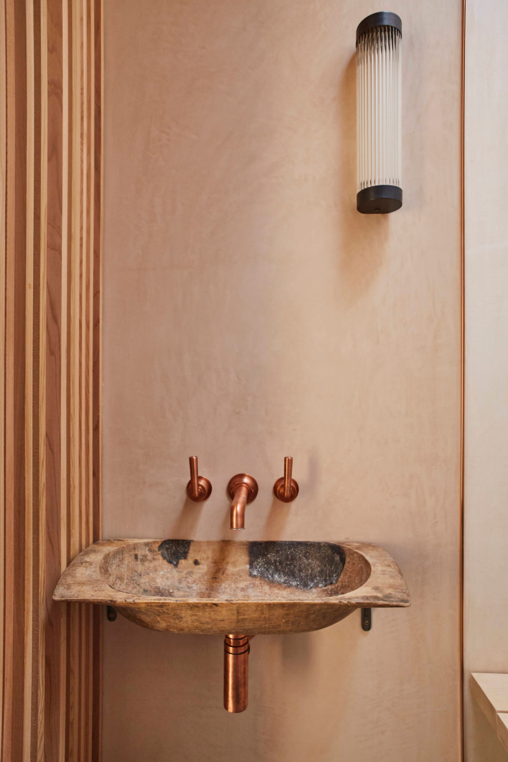 Photo of Reuse in action: A London townhouse remodeled by Architectural Salvage Masters Retrouvius