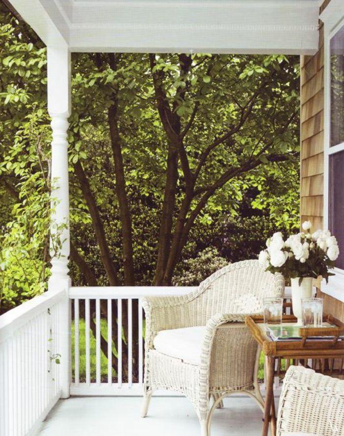 salon de jardin en teck beige. jolie véranda en bois beige | Design ...