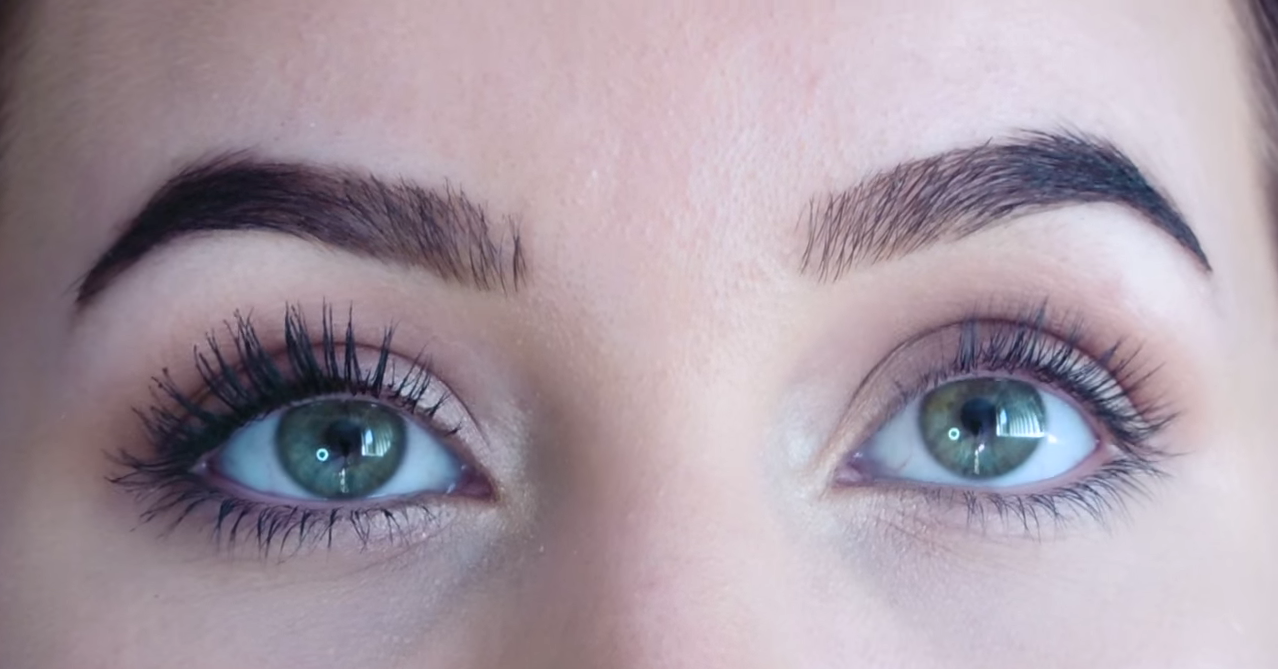 This Quick Trick Keeps Your Eyelashes Curled All Day Long ...