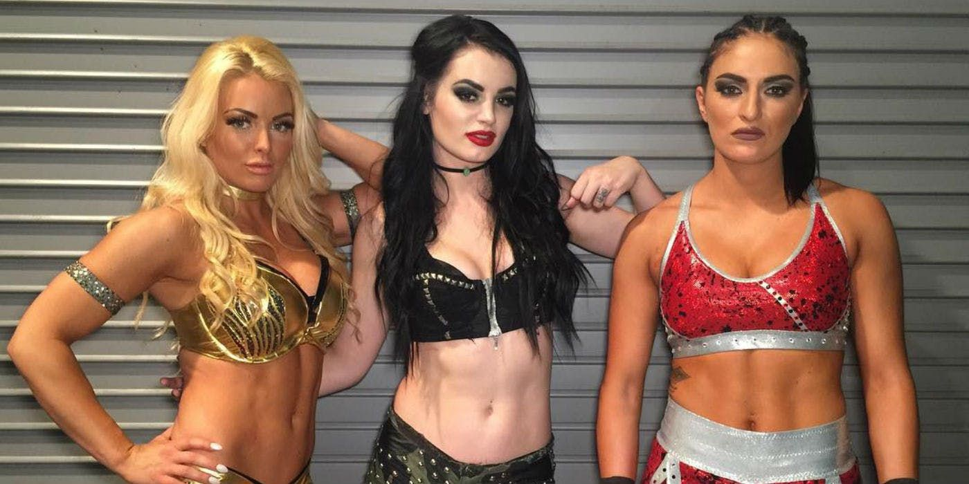Paige Makes First Social Media Posts Following Reports Of Her Retirement Wwe Girls Wwe Divas Paige Paige Wwe