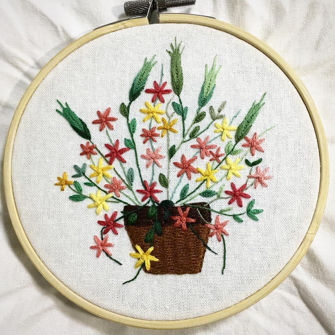 Finished flowerbouquet in the basket 꽃바구니 flowerbasket