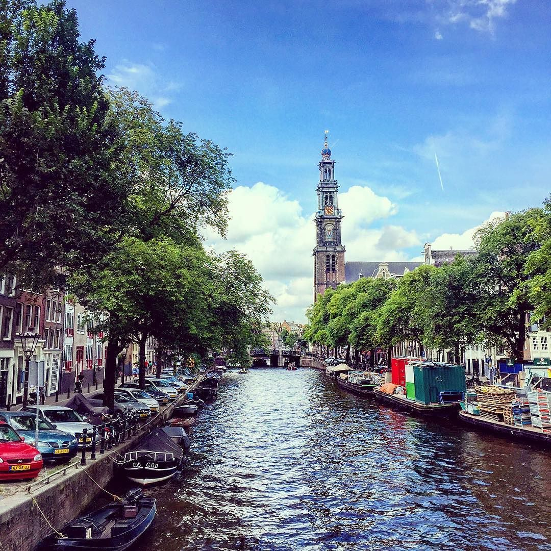 A little Amsterdam throwback! I took so many pics when I was there recently. Just love this city  #amsterdam #canals #travelgram #gramthedam #pic #summervibes #netherlands
