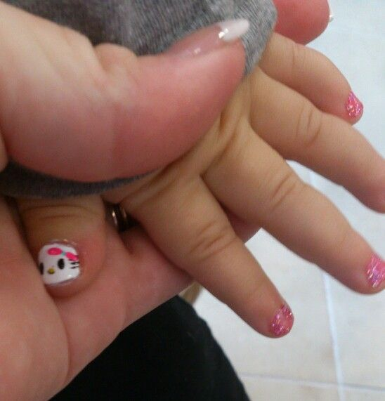 Hello Kitty girly toddler nails   Hello Kitty girly toddler nails Toddlers clothing shuuzz Hallo Kitty girly Kleinkindnägel