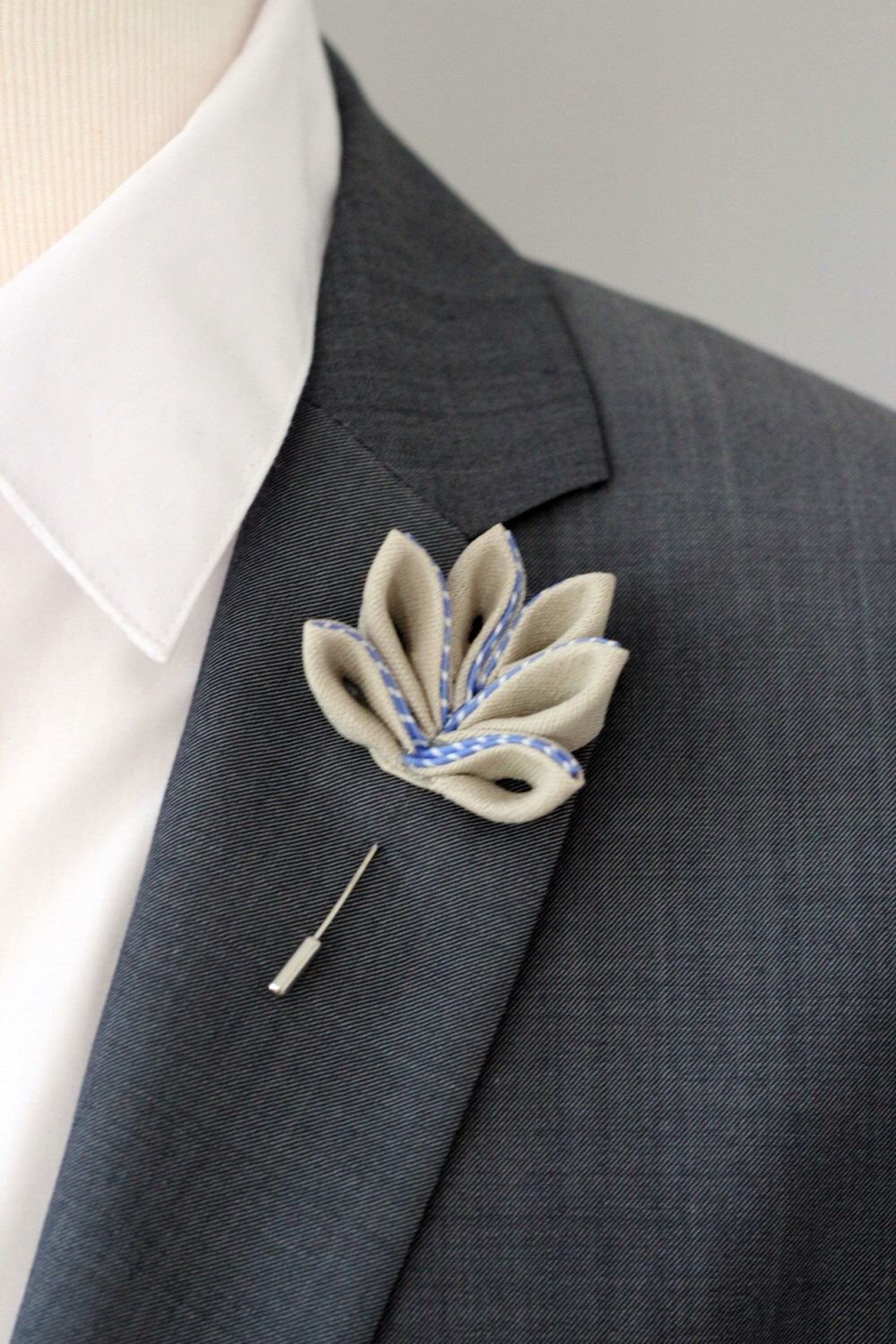 Mens jacket brooch - Maple Leaf Lapel Pin Mens Lapel Flower Boutonniere Lapel Flower Pin Flower Lapel Pin Mens Gift Mens Pocket Square Rustic Boutonniere