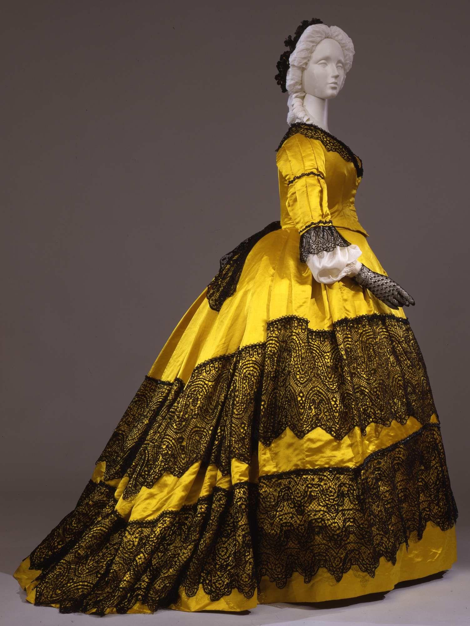 Dress in silk satin with silk lace trim, ca. 1865, Galleria del Costume di Palazzo Pitti, 00000214