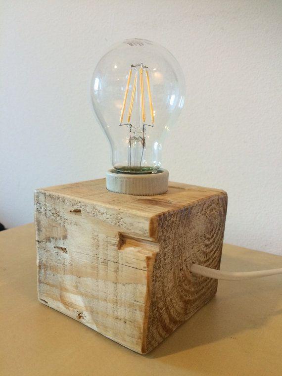 L mpara cubo de madera de palet reciclado por econaturabio for Cosas con madera reciclada