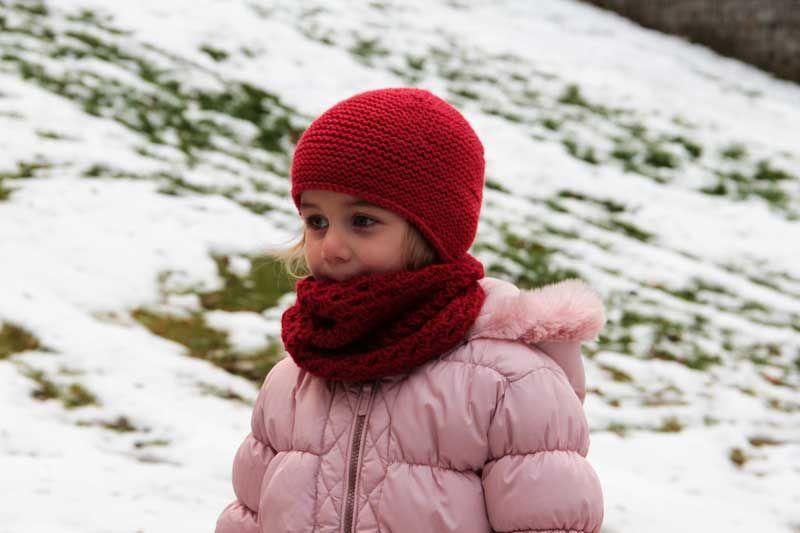27bc598787a Návod na dětský ručně háčkovaný nákrčník s mušličkovým vzorem   Kids  crochet shawl   cowl pattern