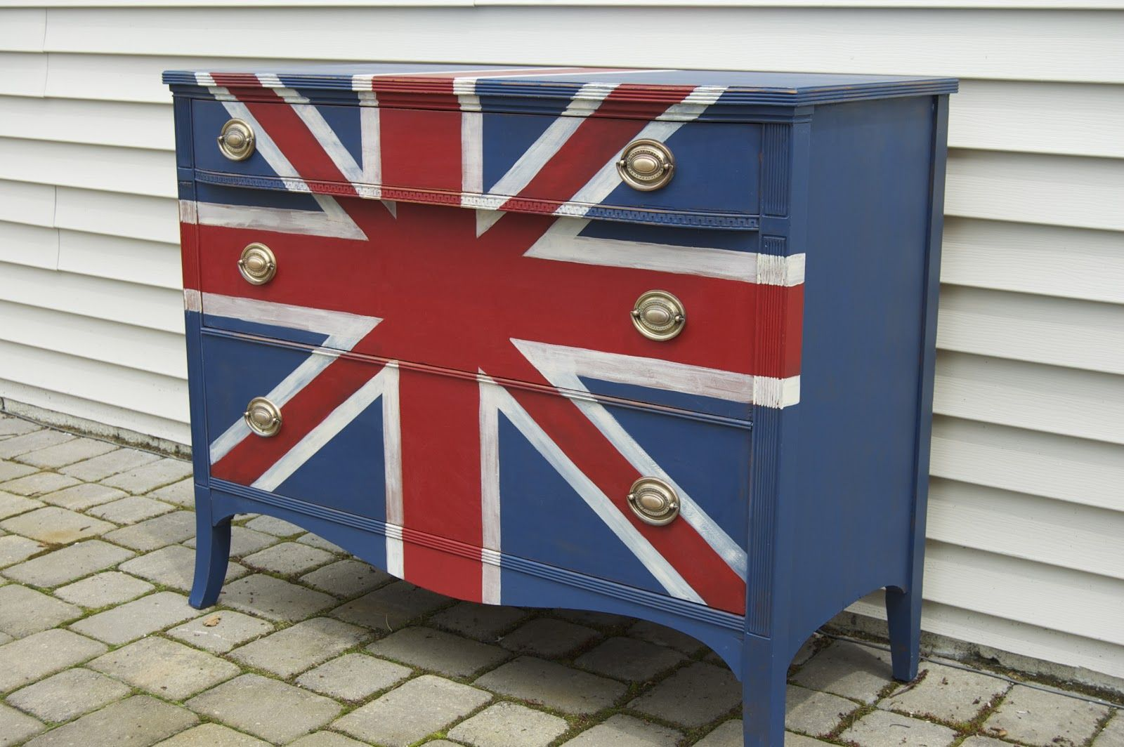 Seaside Shelter: How to Paint the Union Jack