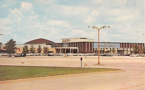 Randhurst Mall -- 1966 | Out of the Past in 2019 | Arlington
