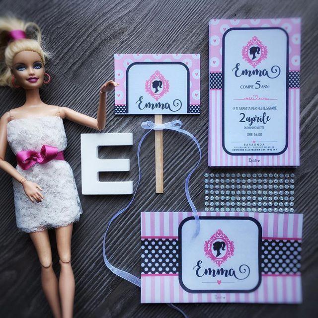 🎶Come on Barbie, let's go party!🎶 . Metti una bimba con la passione per il mondo #barbie aggiungi tanta #magia ed ecco la formula per una festa peretta!! 🌸🌸🌸 Siete curiosi??? A breve la vedrete in tutto il suo splendore!!! 🌸🌸🌸 . E se vuoi allestire tu, il party kit è prontissimo! Chiamaci che te lo spediamo subito! 💌 #didut #partykit #partydecor #follow_this_light #mumadvisor #mammaaiutamamma #lavitainunoscatto #evedeso #eventdesignsource - posted by Didùt…