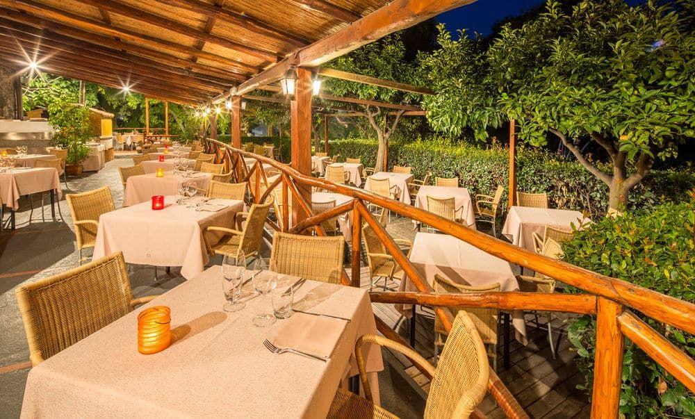 Atahotel Naxos Beach, Giardini Naxos, Food court
