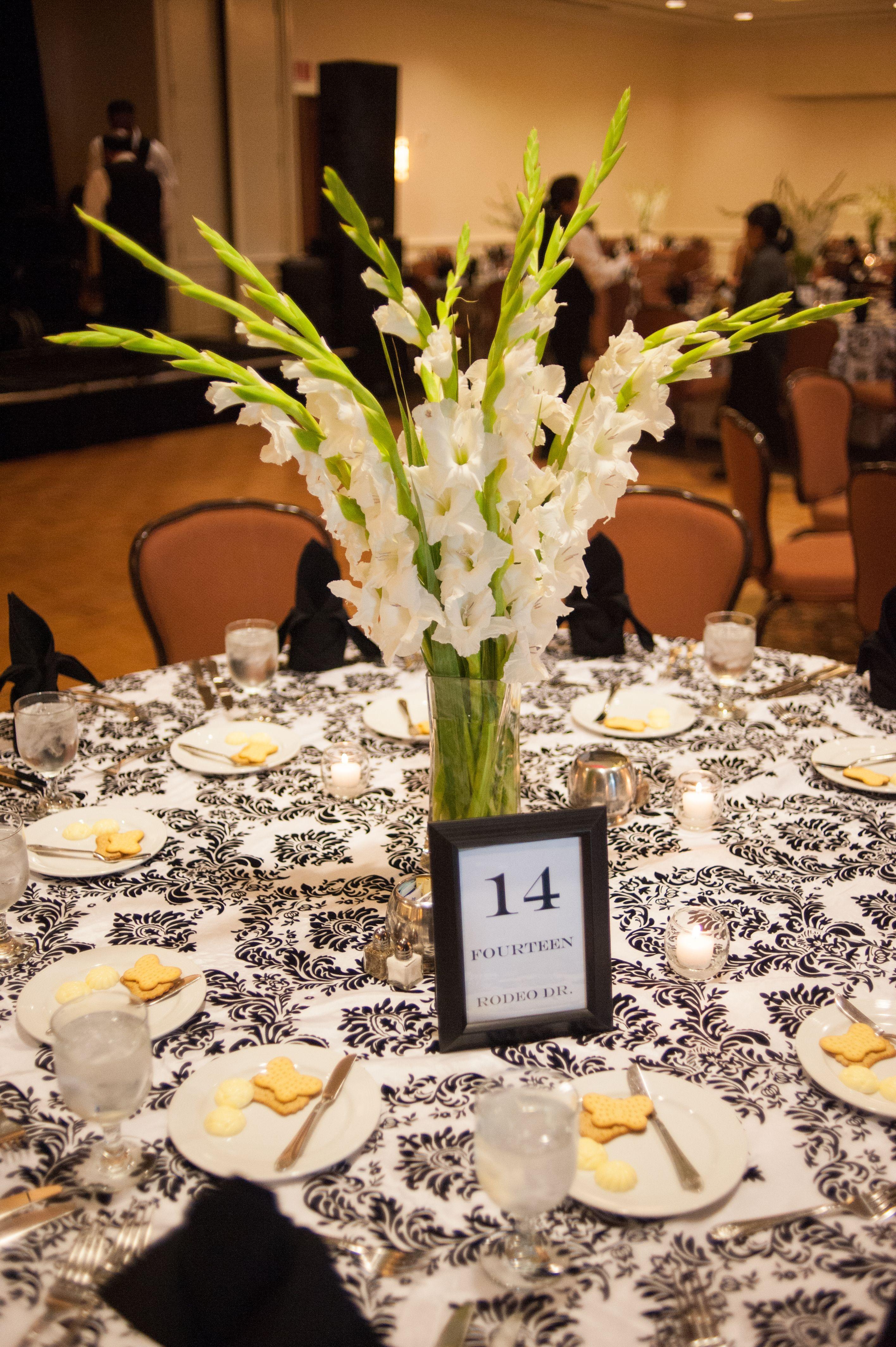Cebolla Fine Flowers Dallas Wedding Lakewood Country Club White Gladiolas