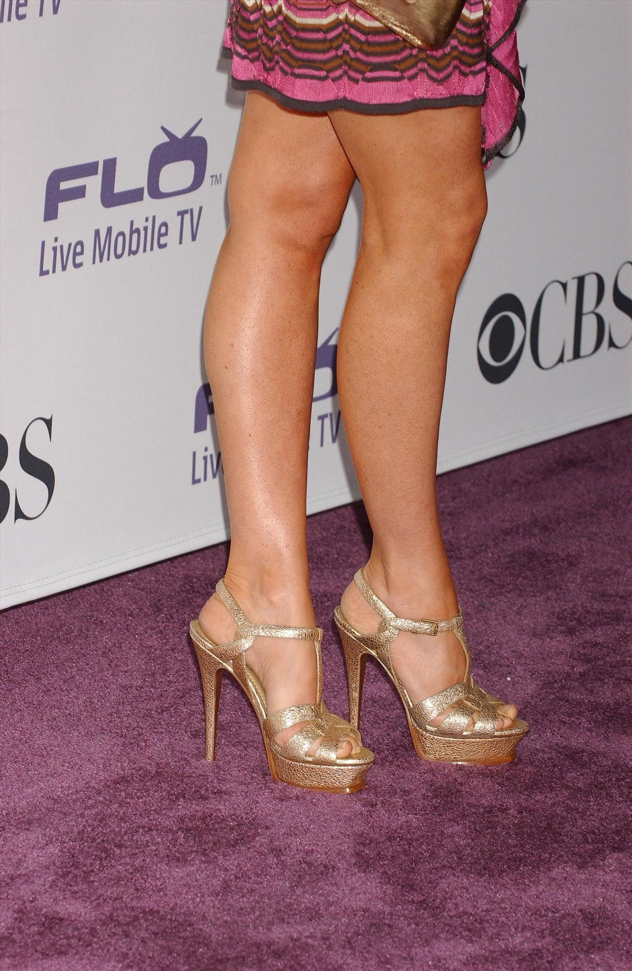 Pin by Eliat One on Legs | Town shoes, Heels, Alyson hannigan