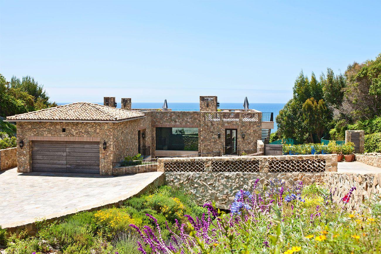 MultiMillion Dollar House on Malibu Beach! Malibu beach