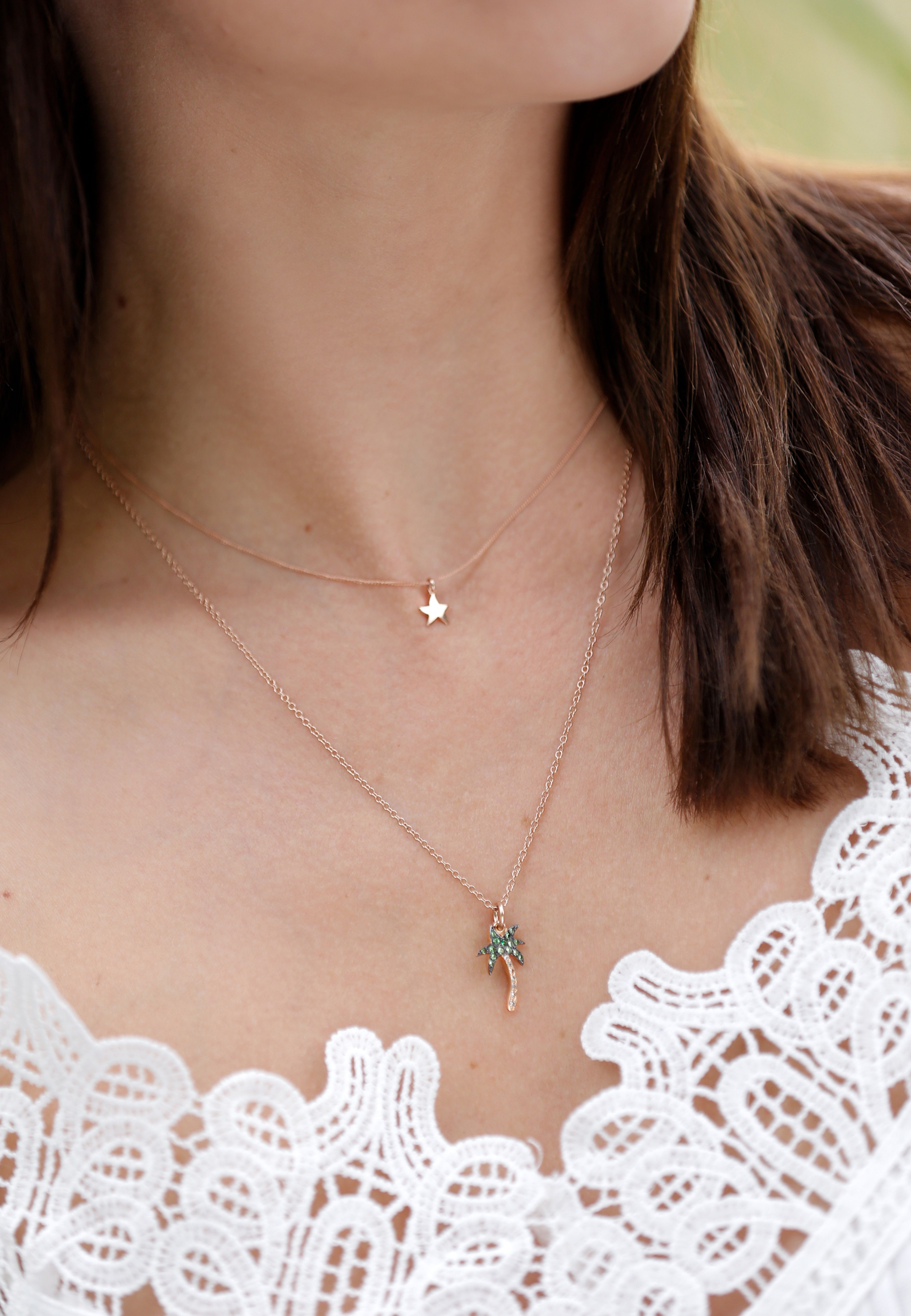 Let yourself get carried away by the magic of the Dodo rose gold Starfish  charm and fly straight to Neverland. 054e4169b9