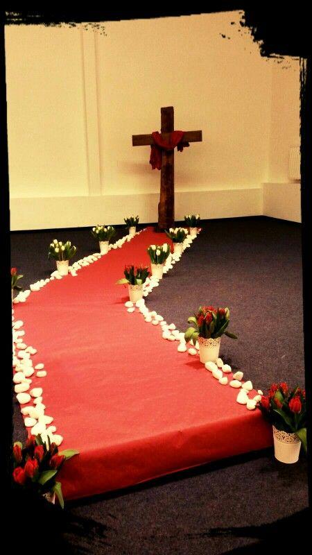 Osterdeko Kirche Church Bühne 2016 * In dem Kreuz liegt die Kraft *