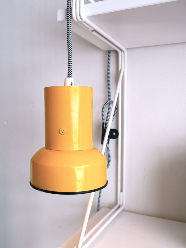 Kahden vaiheilla: lamp makeover / diy with yellow spraypaint