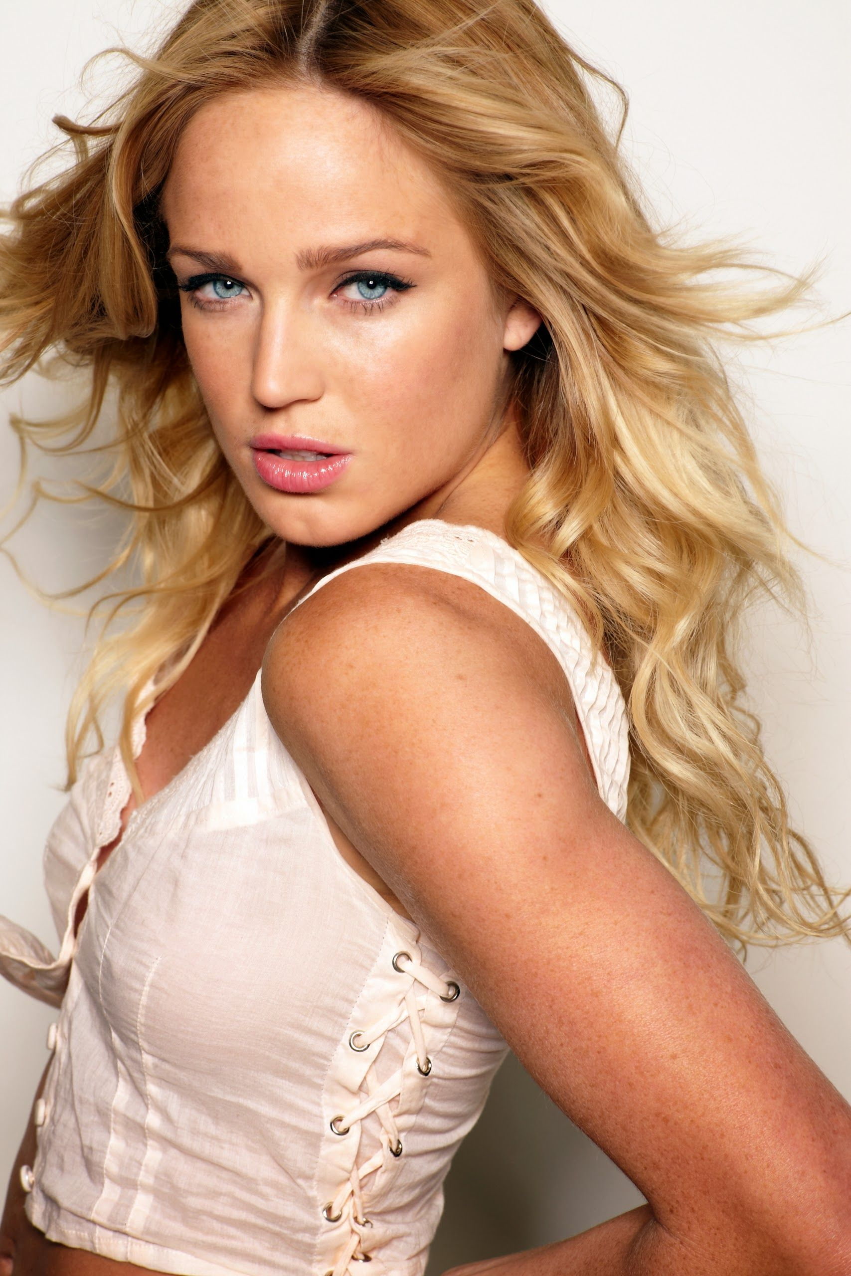 caity lotz - google search | cover girl | pinterest | actresses and
