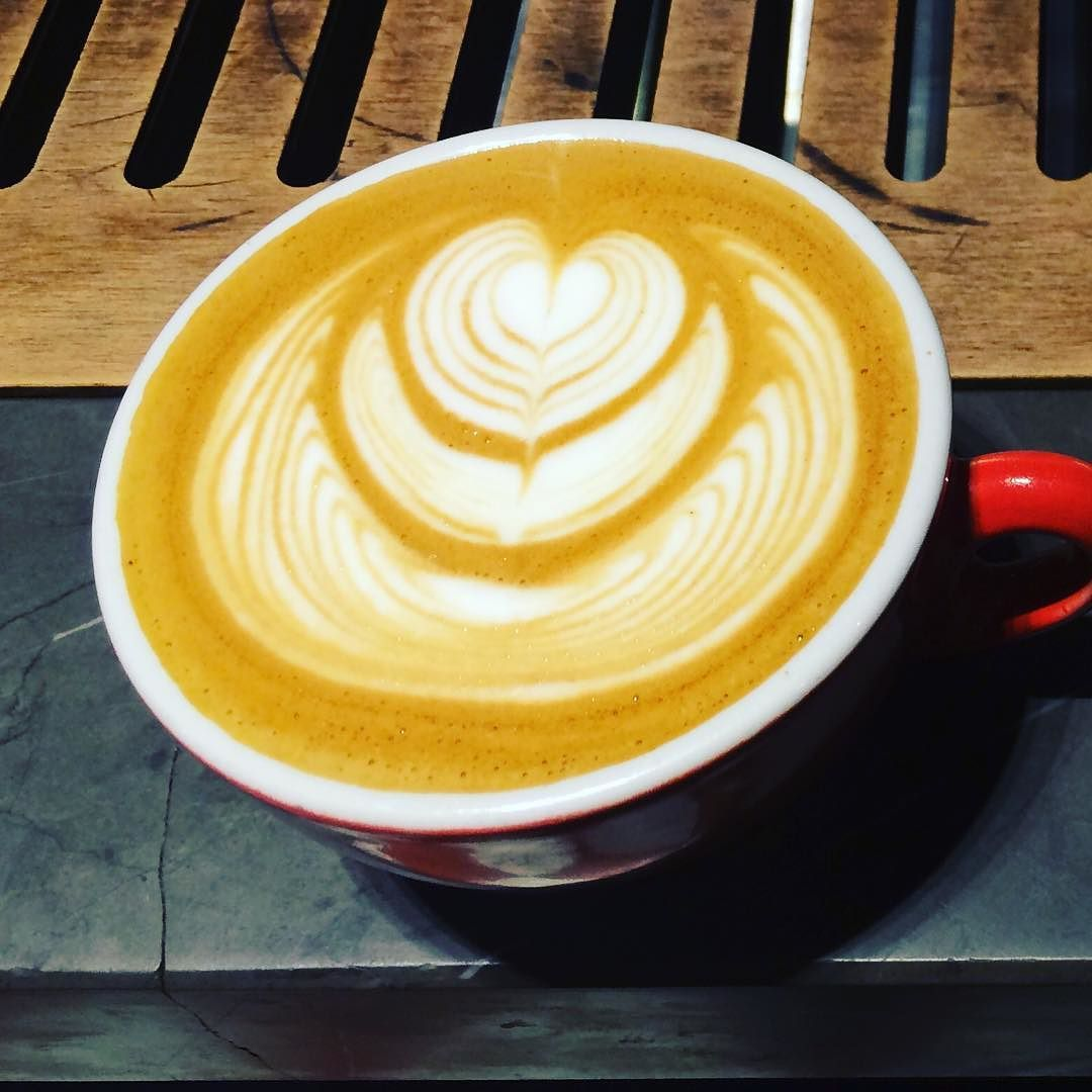 Ripper #latteart #latte #espresso #espressosteam #espressoart #craftcoffee #coffeeart #coffeeroaster #coffee #coffeetime #coffeelover #coffeeaddict #coffeeshop #cafe #caffeine #lattemacchiato #baristalife #coffeegram #coffeeporn #barista #latteartgram #art #foodie #foodporn #rustic by espressosteam