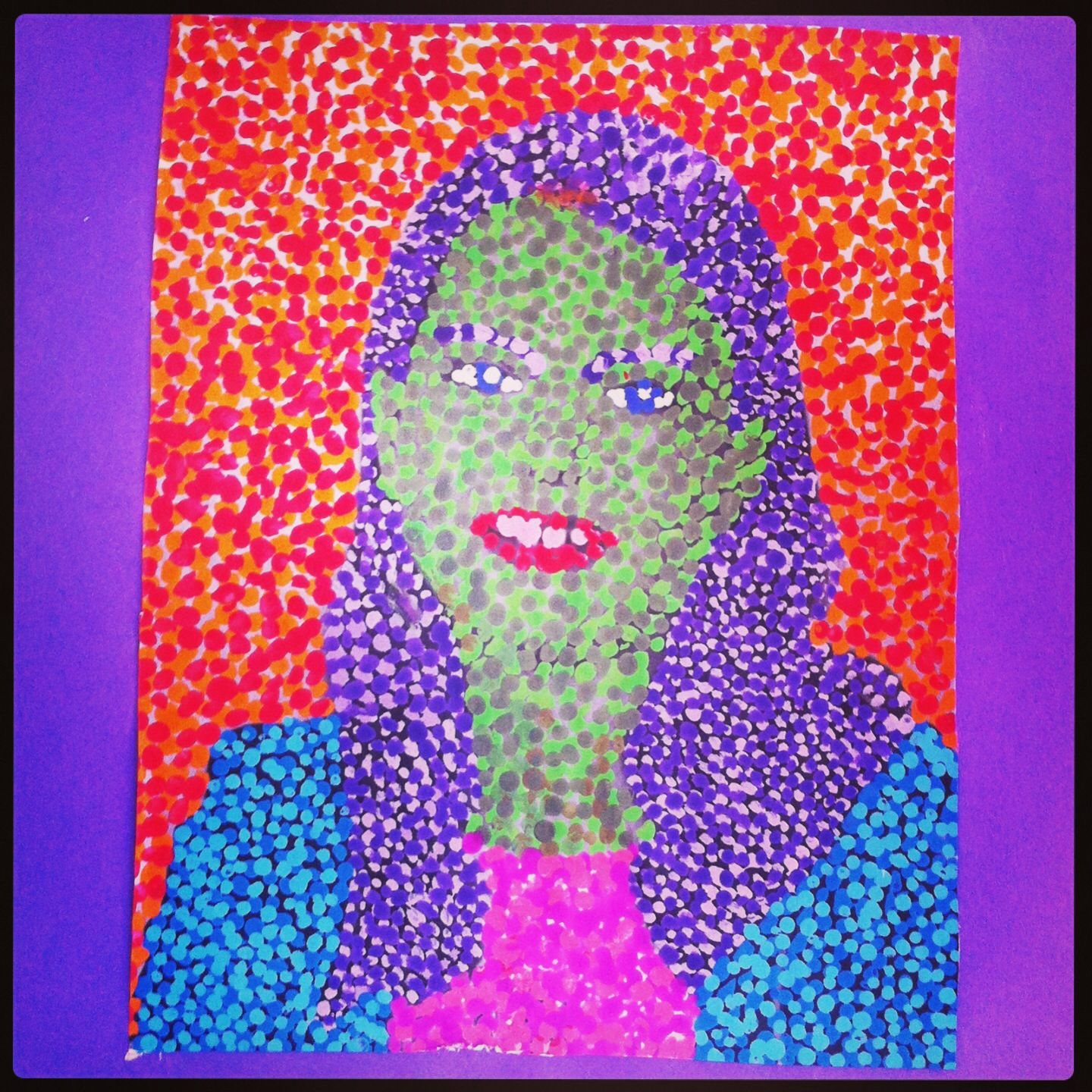 Pasfoto vergroten en beschilderen pointillisme for Pinterest kunst