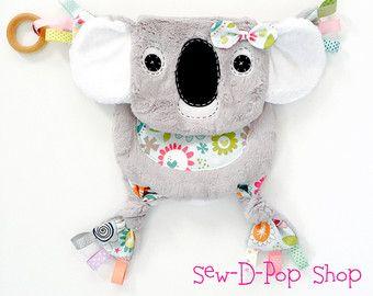 Koala Baby Giraffe Cuddle Plush Blanket
