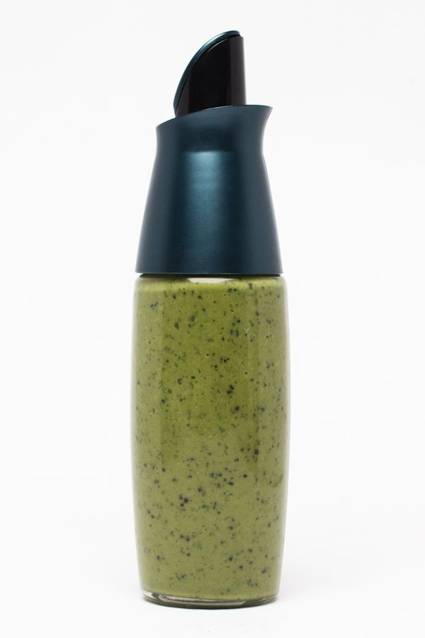 Looking for a creative and easy way to use spirulina? Sacha-lina is tangy, herb-a-licious and good for you! Spirulina crunchies are loaded with chlorophyll, a whopping 112% vitamin A per 8g serving, and 6g of protein. Sacha inchi oil is an excellent source of  Omega-3 essential fatty acids with 7g per tablespoon and a delicate nutty flavor. Zesty and delicious!