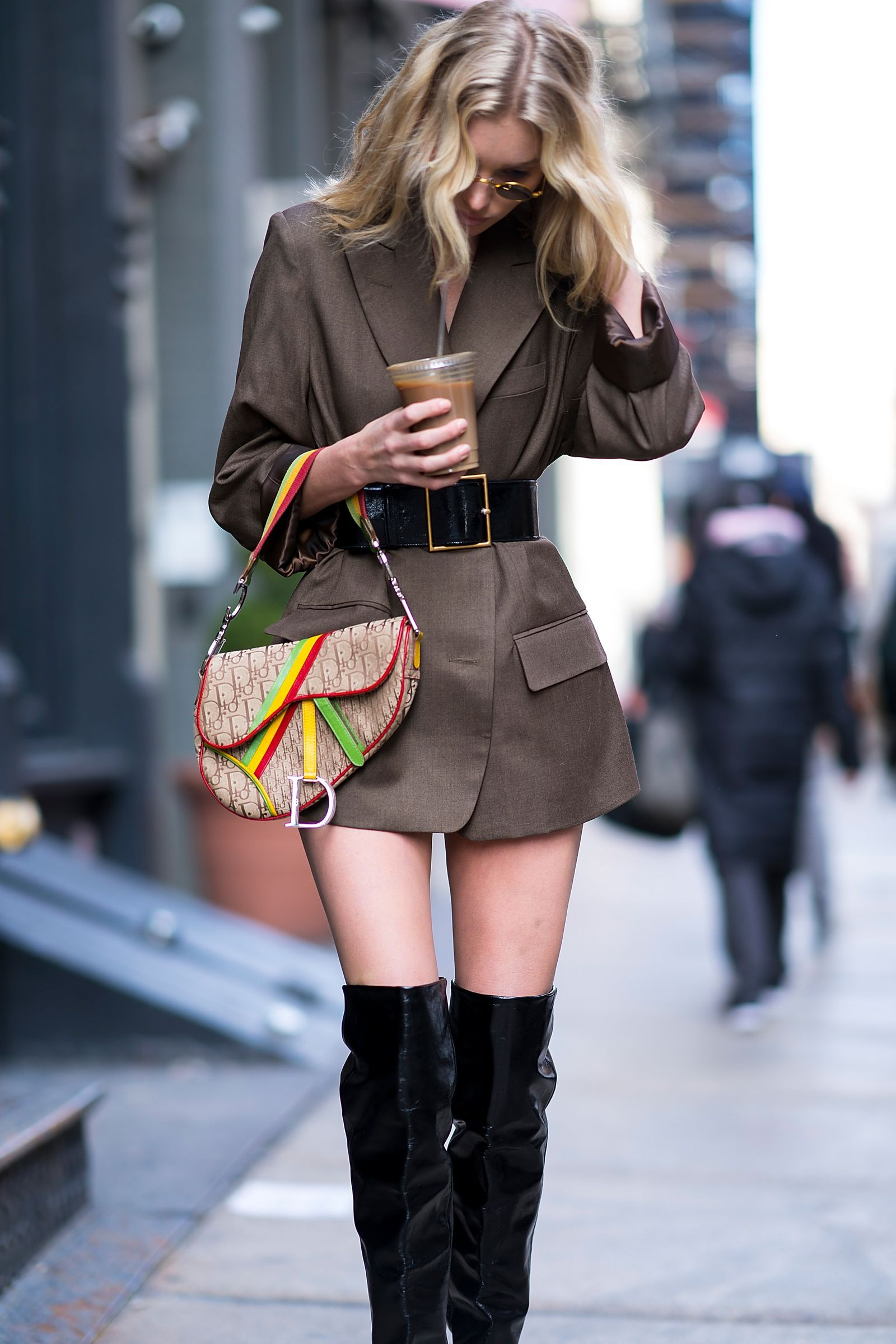 Dior Brings Back Its Early 2000s Saddle Bags   Style   Fashion, Dior ... 7abc188cb342
