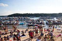 Lake Lanier Party