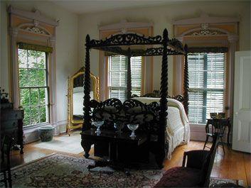 Antebellum Interior Love The Contrast Of Color In The