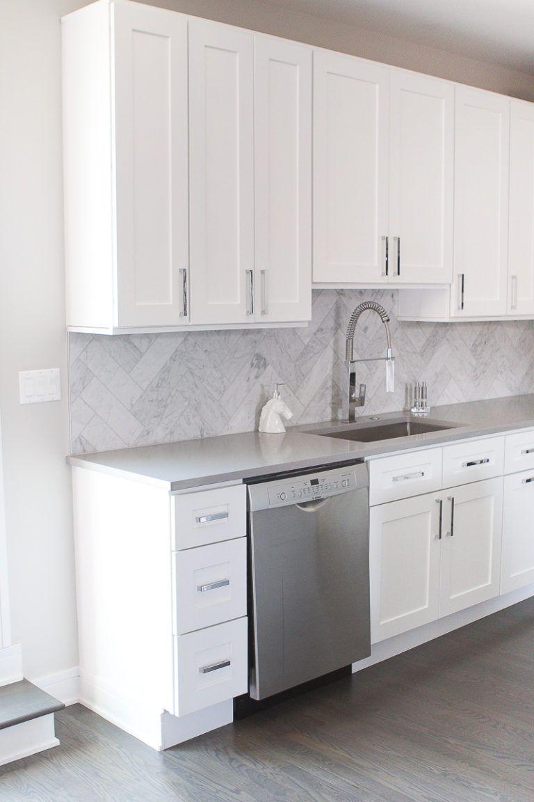 Contemporary Condo In Chicago The Diy Playbook Kitchen Design Contemporary Style Kitchen White Kitchen Cabinets