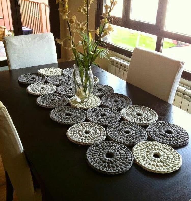 Crochet table runner pinteres - Set de table crochet ...