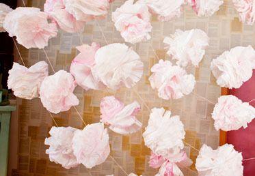 Pom Pom Garlands on Creativebug (PERFECT for a #DIY #Wedding) #HelloLucky