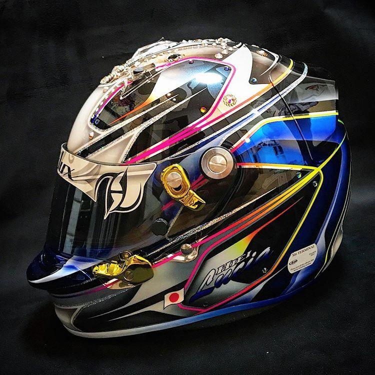 Helmet Helmetpaint ヘルメット ヘルメットペイント スワロフスキー Swarovski Helmetdesign ヘルメットデザイン ファストルックス Fastlux Follow フォロー フォローミー Followba ヘルメット ペイント ヘルメット デザイン ヘルメット
