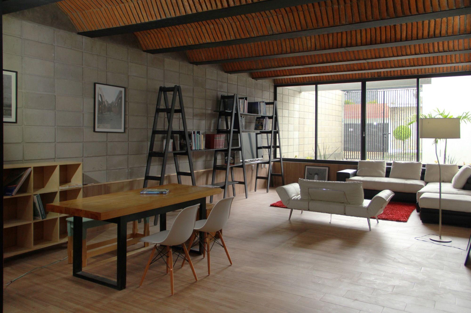 Galer a de casa jard n apaloosa estudio de arquitectura for Oficinas de diseno y arquitectura