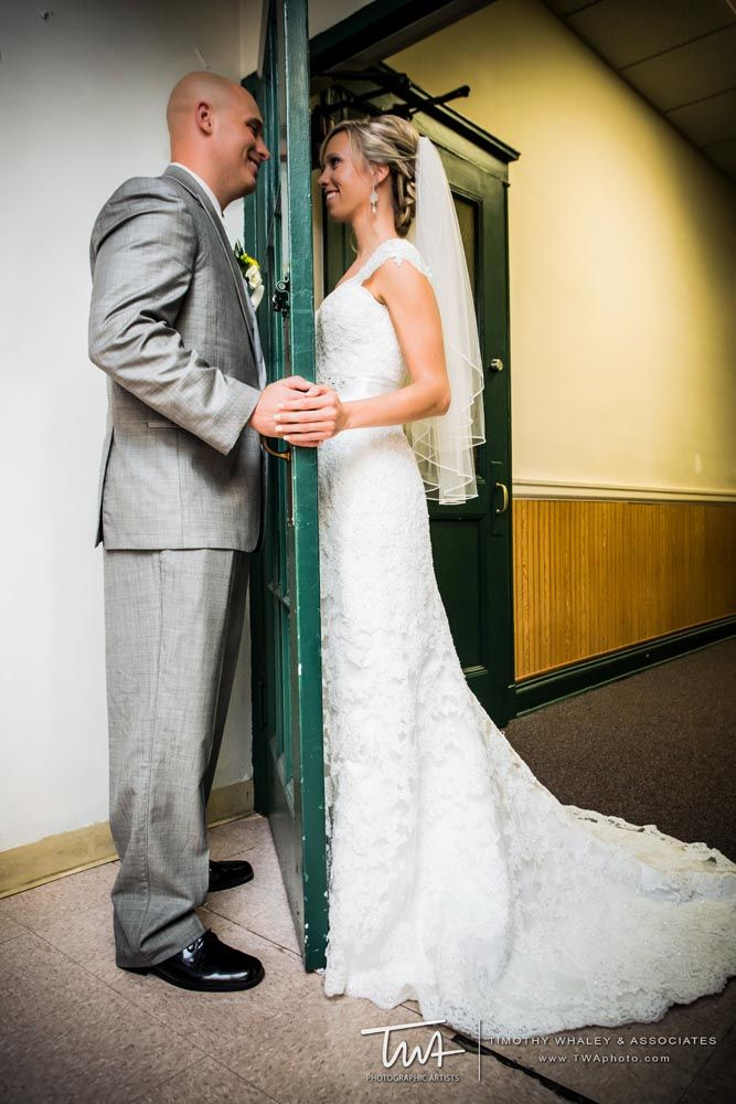 Make it look as if you saw each other before you walk down the aisle! #TWAphoto #wedding
