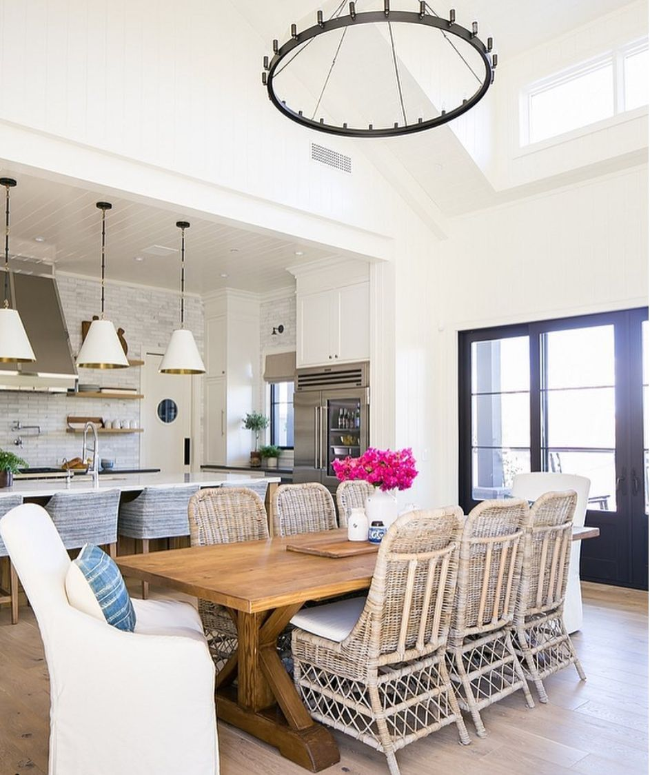 Casual Dining Room Chandeliers: Pin By C Vieiralves On Home Decor