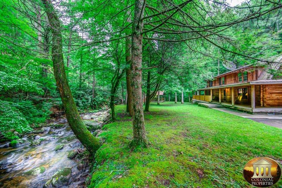 pool of mountain smokey mountains photo access taken with one our amazing smoky cabins near