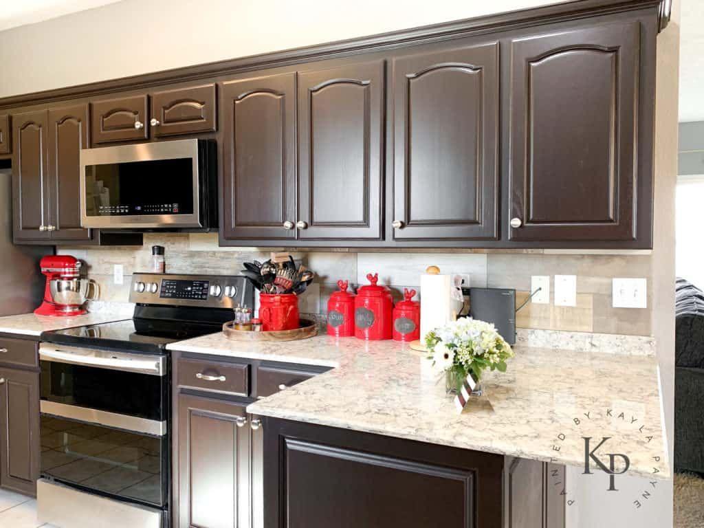 It S True Not Everyone Wants White Kitchen Cabinets In 2020 Brown Kitchen Cabinets Dark Kitchen Cabinets White Kitchen Cabinets