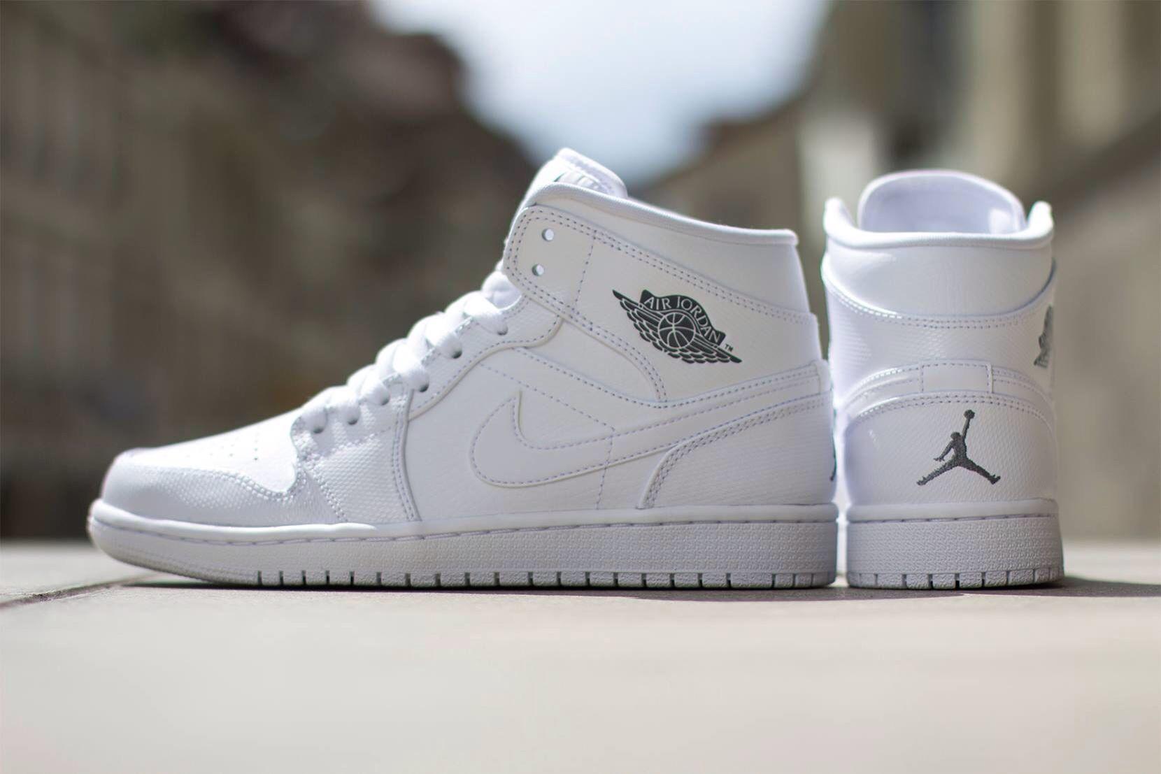 pretty nice c86a4 65c83 Nike Air Jordan 1 Mid  White