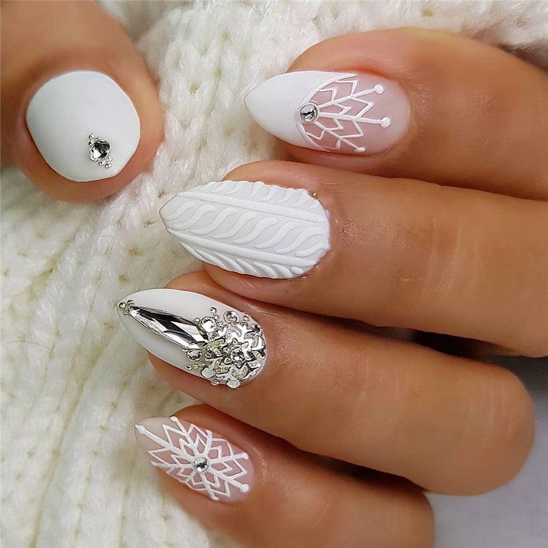 14 Cute Macaron Stiletto Nails Designs For Winter Season