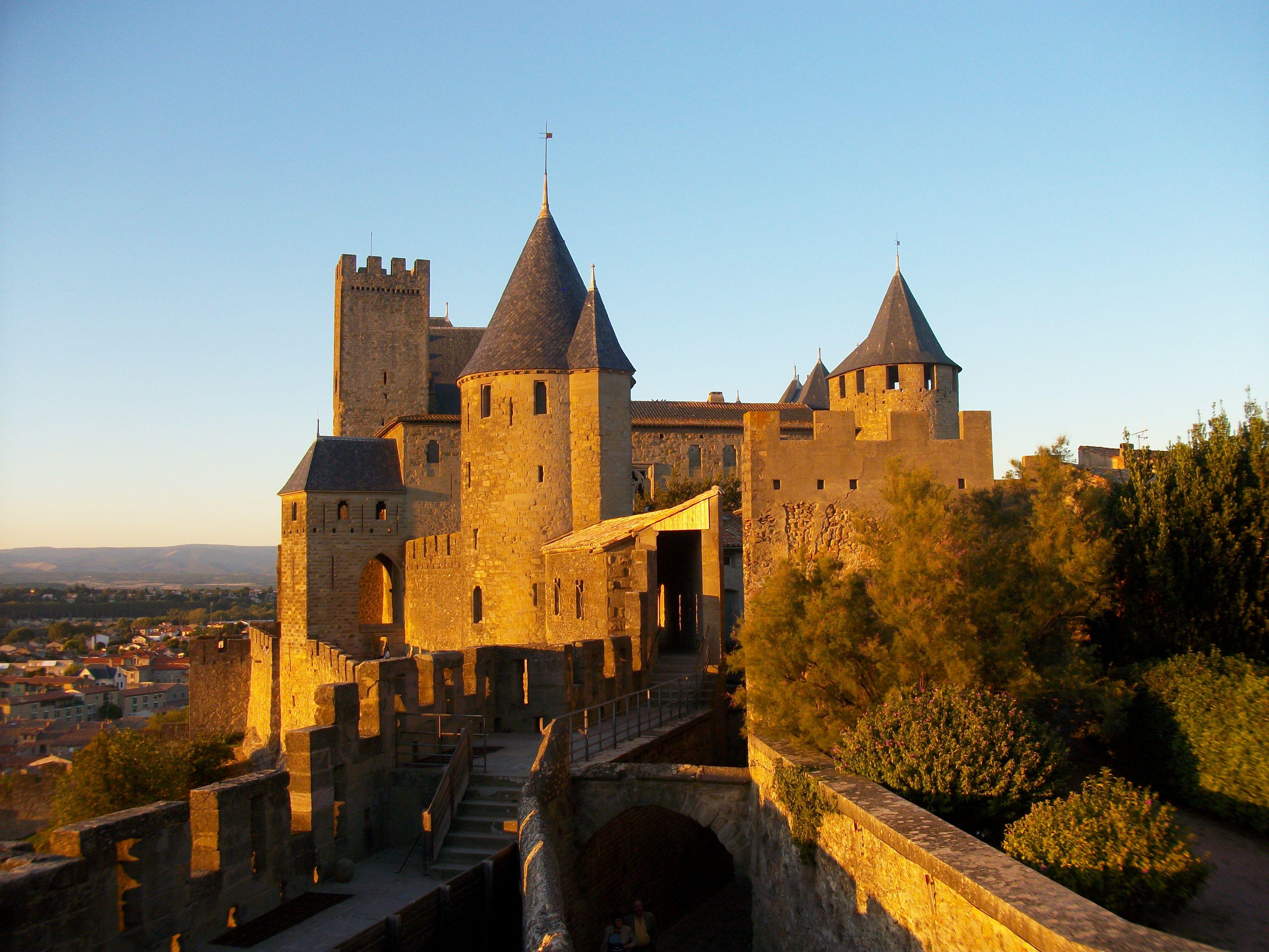 Vue du château comtal de la Cité de Carcassonne depuis la
