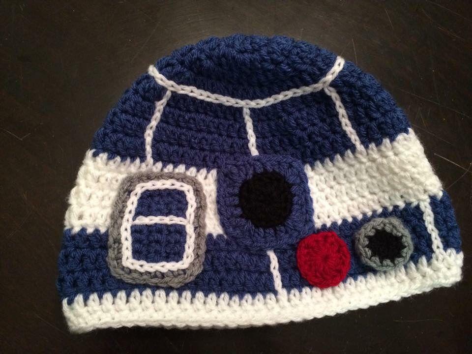 R2D2 crochet hat by Omironi Design https://www.facebook.com ...