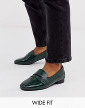 DESIGN Wide Fit Membership loafer flat shoes in green DESIGN Wide Fit Membership loafer flat shoes in green