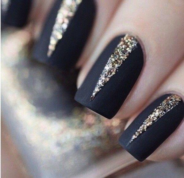 nail-art-nero-mat-con-triangoli-glitter.jpg (600×581) | Design ...