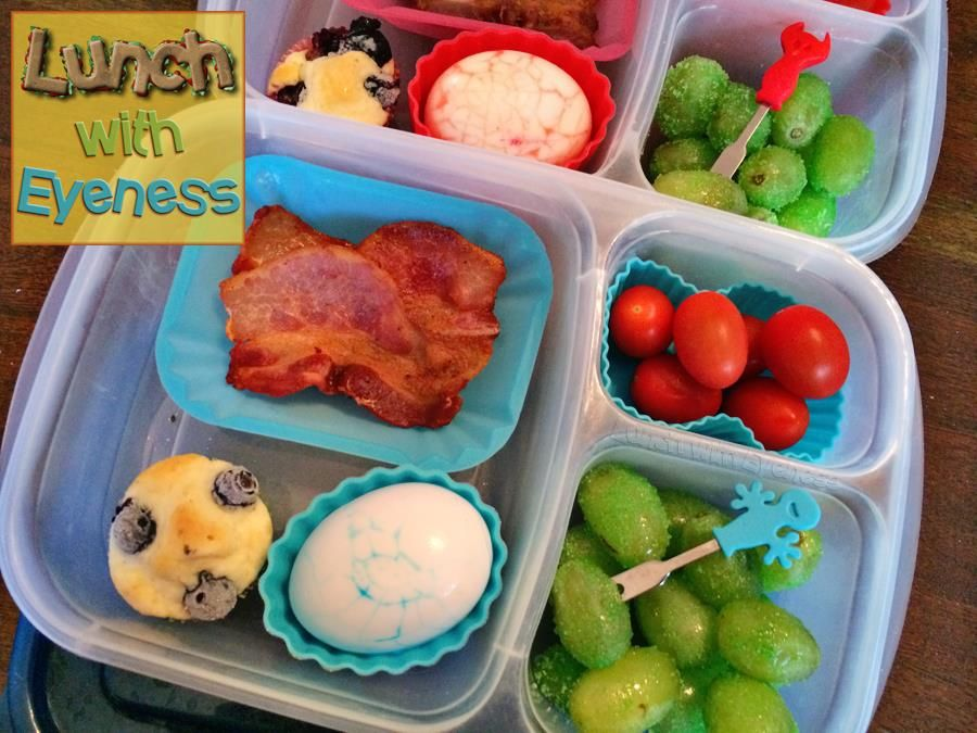 Breakfast packed for lunch via Lunch With Eyeness | packed in @EasyLunchboxes containers