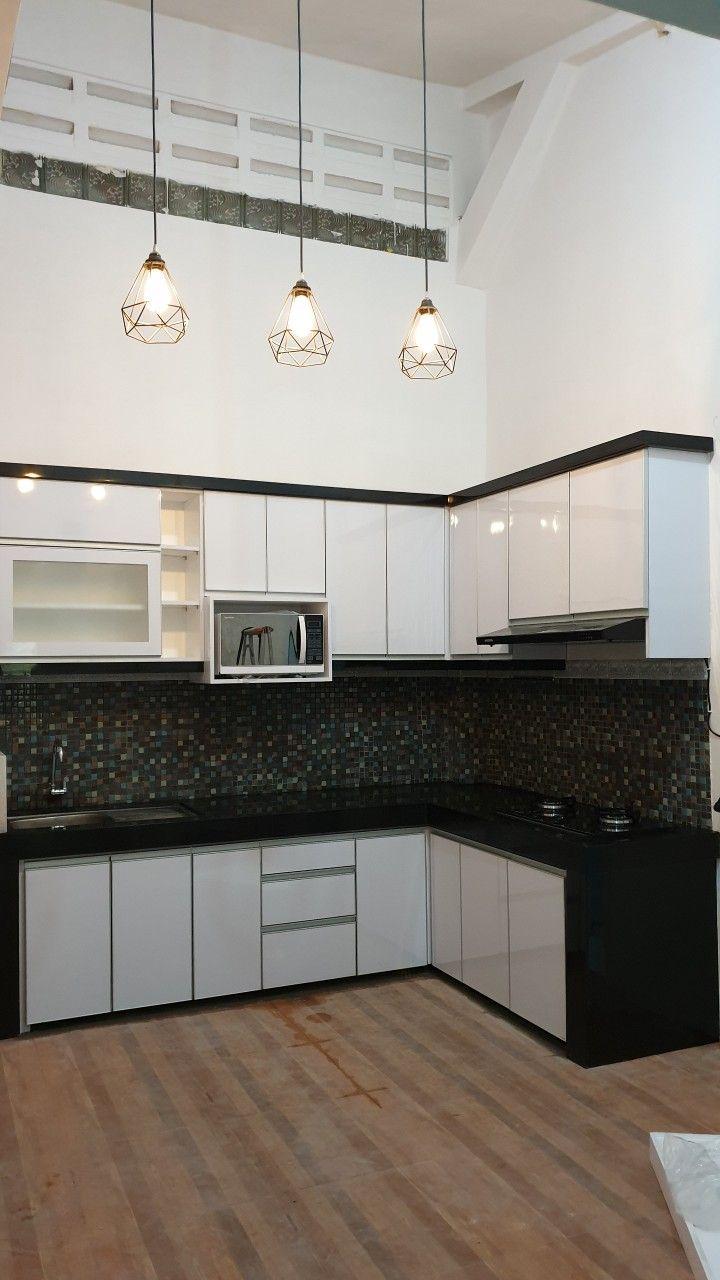 Dapur L bernuansa homey. Saya pilih warna putih glossy, karena ...