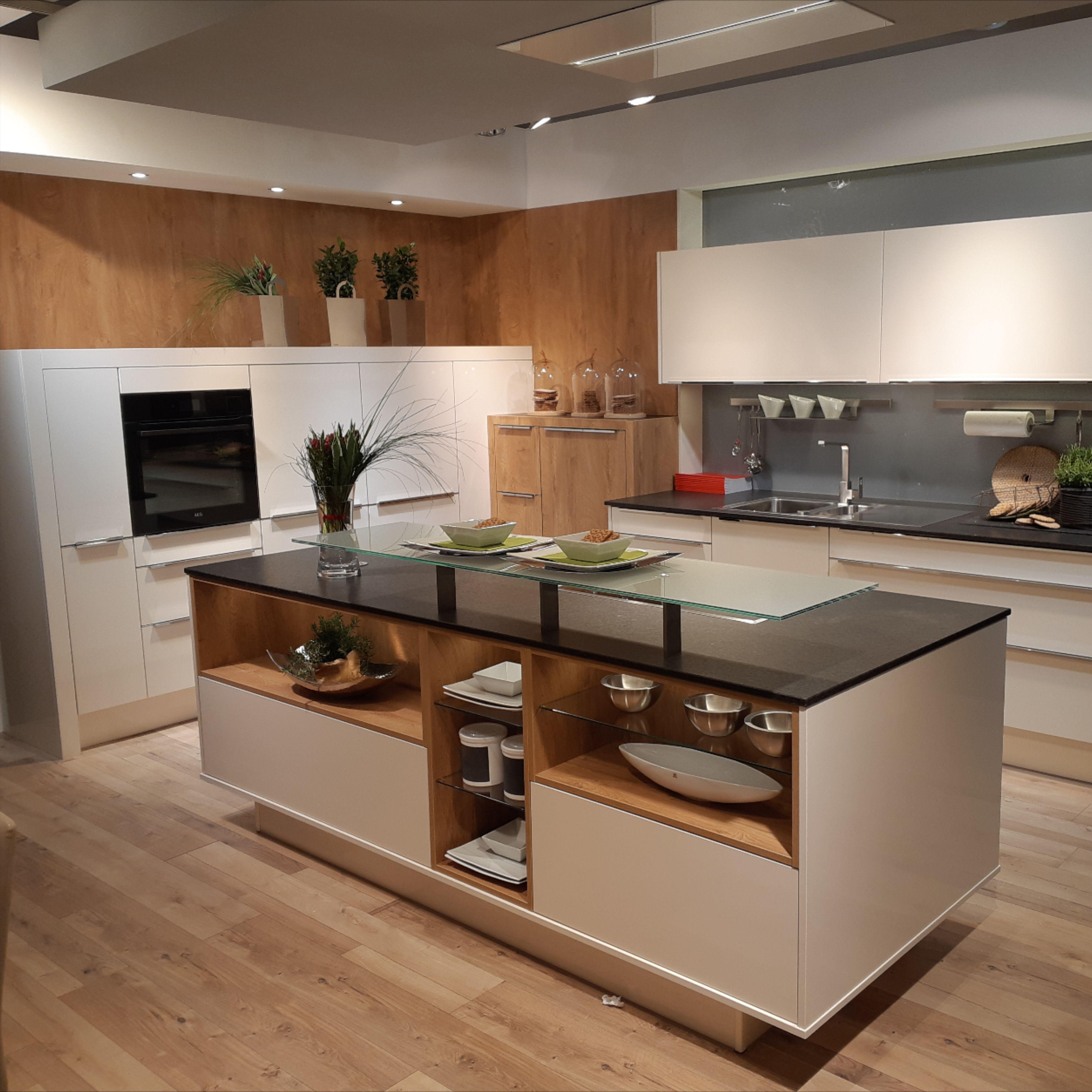Kuche Weiss In 2020 Haus Kuchen Kuche Kuchen Design